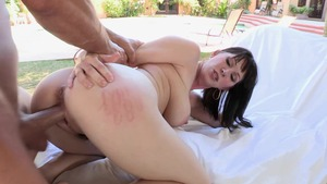 BigNaturals.com - Caucasian bikini blowjobs in the pool