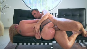 Big Wet Butts - MILF Brooklyn Chase creampie