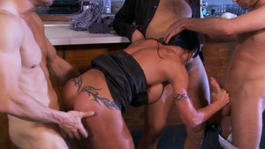 MILFsLikeItBig: Muscle Jewels Jade reverse cowgirl