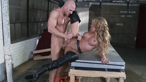 She's Gonna Squirt - Muscled Amy Brooke soldier 69 sex scene