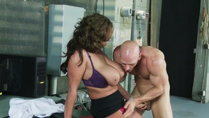 Big Tits at Work: Eva Notty is muscle brunette