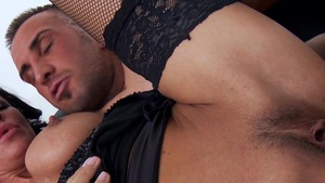 MILFs Like It Big: MILF Tia Layne takes a huge dildo