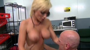 BabyGotBoobs: Cumshot with muscle Lexi Swallow & Johnny Sins