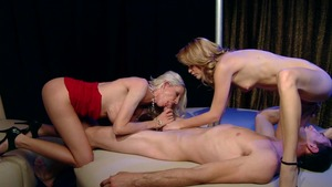 RealWifeStories: Sensual Emma Starr reverse cowgirl threesome